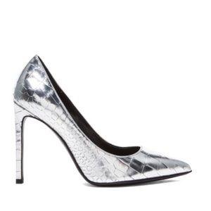 Saint Laurent Paris silver pumps Size 8